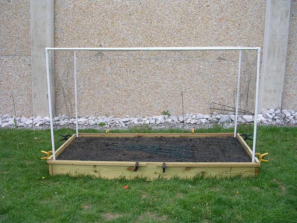 187 Raised Planting Bed Amp Pvc Structure Hexhound